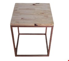 Mesa cubo bronze tampo madeira 40cmAx 35cmL